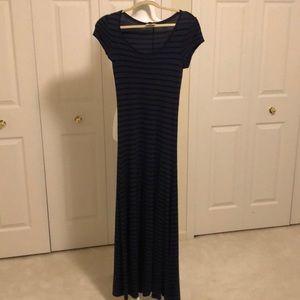 BCBG Max Azriashort sleeve long maxi dress medium